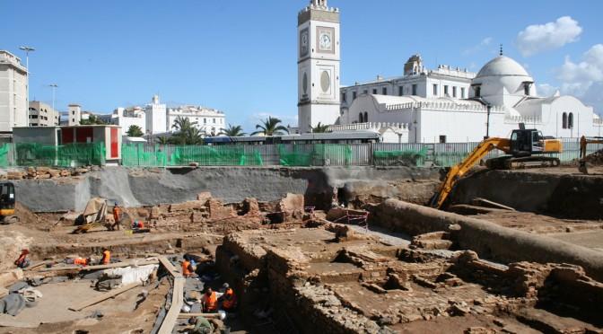 P. Dubreuil (INRAP), F. Ighilahriz (CNRA), F. Souq (co-responsable), Présentation des fouilles archéologiques d'Alger (place des Martyrs) et de la coopération franco-algérienne en matière d'archéologie